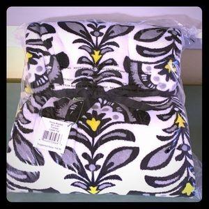 Vera Bradley plush blanket in Fanfare print